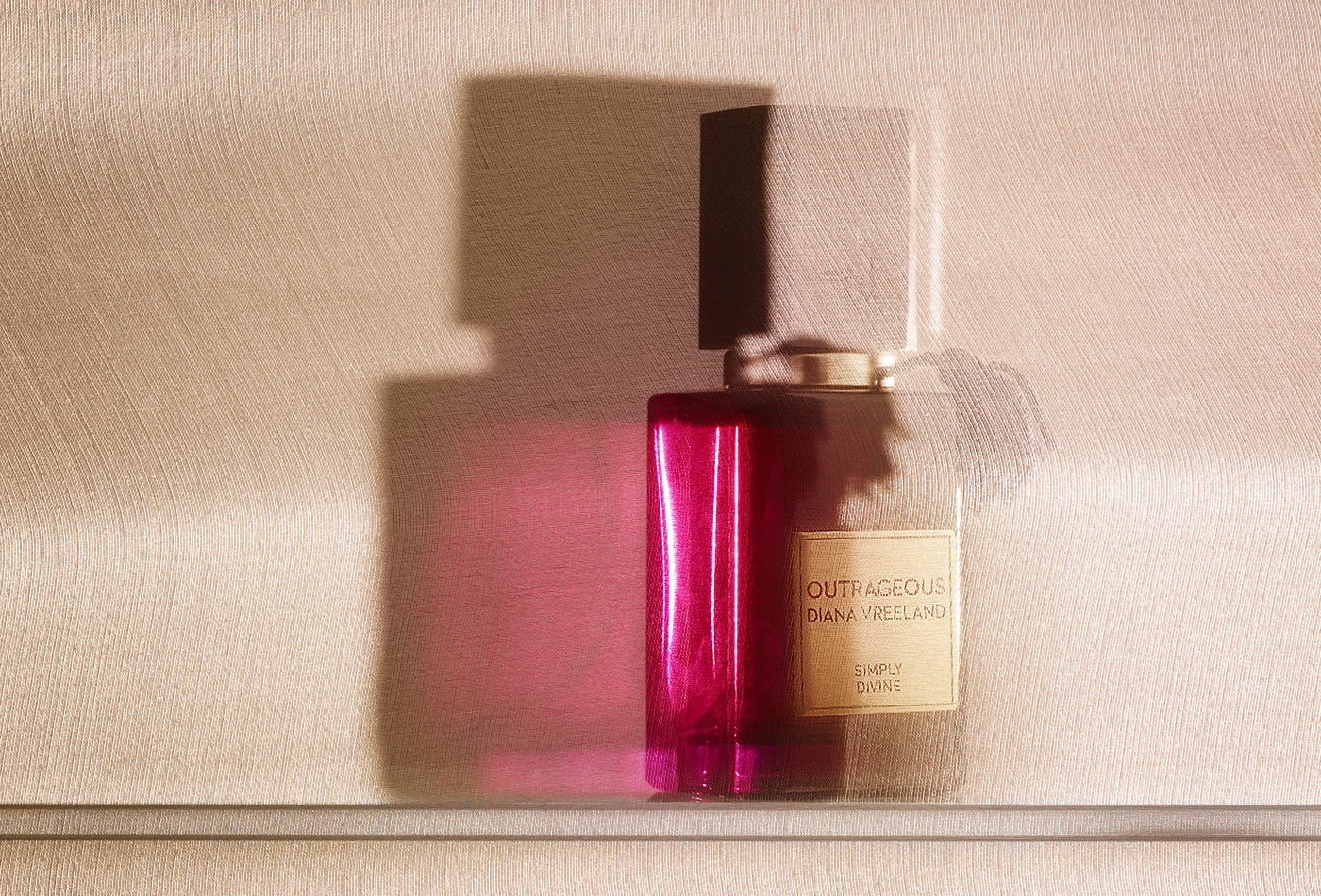 rf4088_we_wear_perfume_velvet_outrageous172